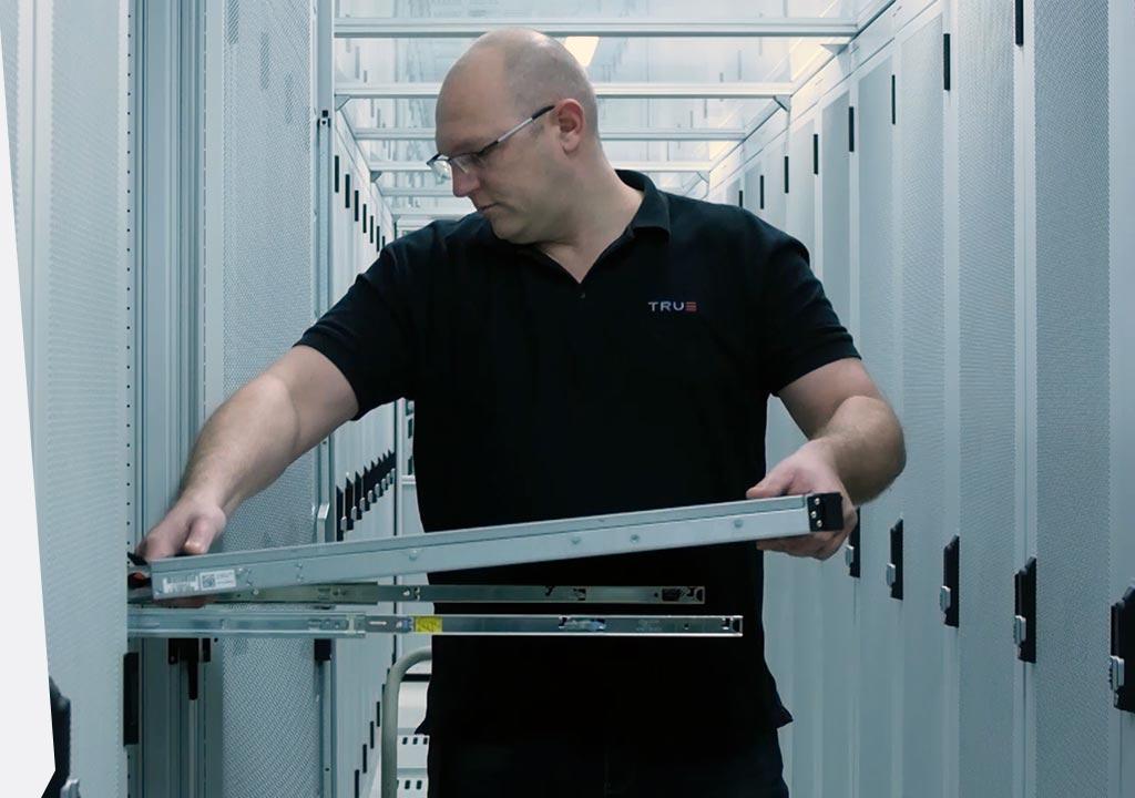 Plaatsing van een server in datacenter